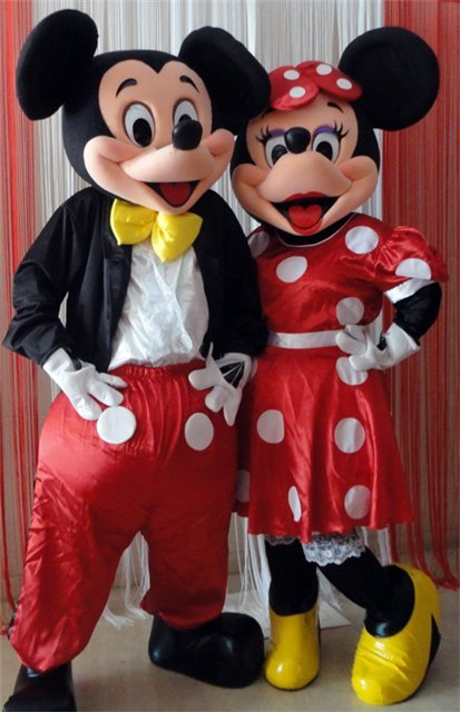 2h-2 monitores FESTA CLUB MASCOTES PANDA, MICKEY E MINNIE