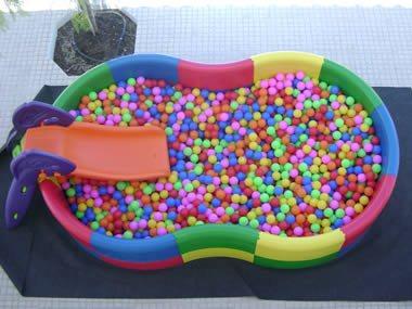 4h com entrega 1 mega piscina de bolas mpb club for Bolas para piscina